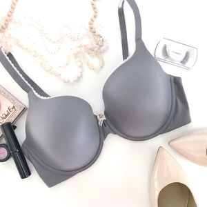 Victoria's Secret Gray Lined Perfect Coverage 38D